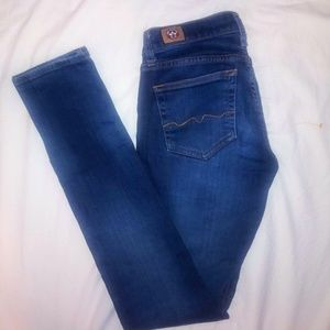 ♥WOMAN'S  VINTAGE RED ENGINE skinny jeanS.size 28❤